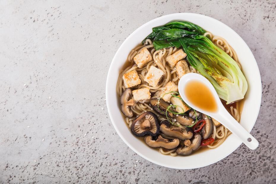 shutterstock-veggie-ramen-with-tofu-042420