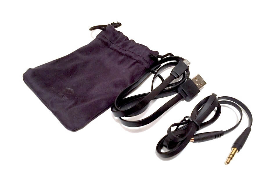 Paww SilkSound cables in pouch