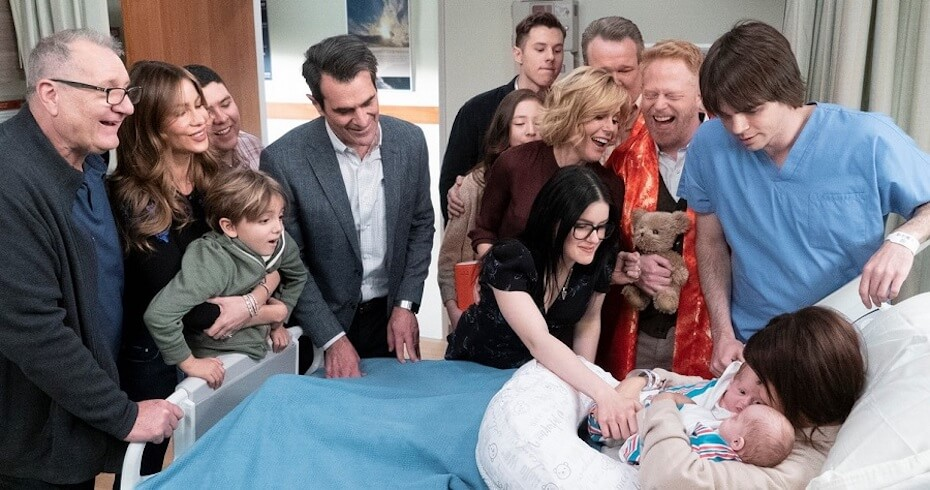 Modern Family - Family gathering for birth