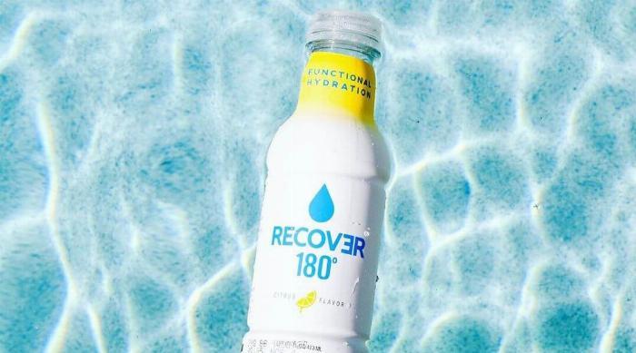 Instagram @drinkrecover - Recover 180° bottle in pool