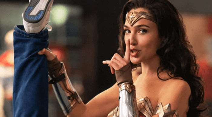 Wonder Woman 1984: Diana whispering still