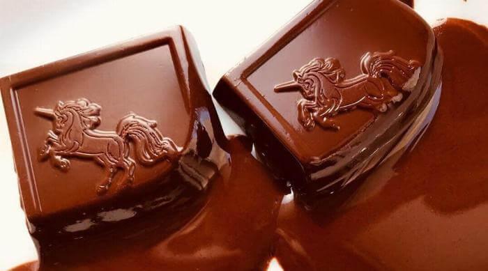 Instagram @addictivewenness chocolate bars melting