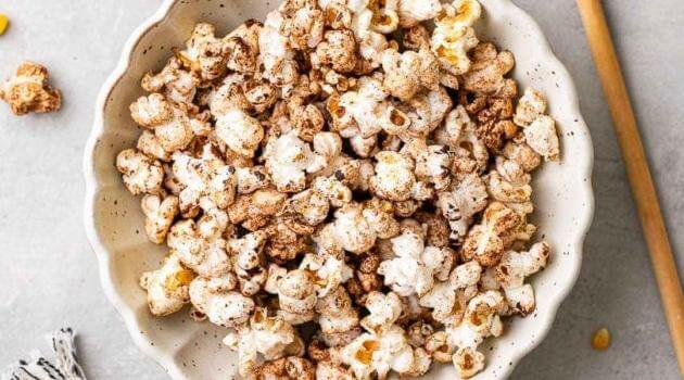 The Light Green bean: Chai chocolate popcorn
