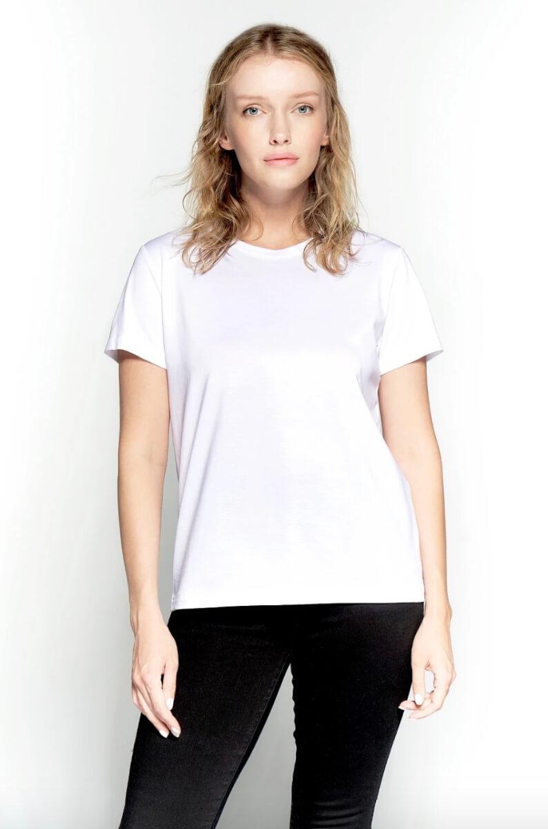 plain white tee shirt