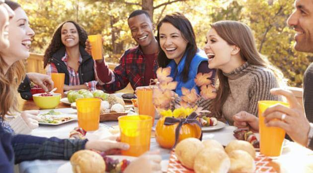 friends-eating-thanksgiving-outside-shutterstock-articleH-111520