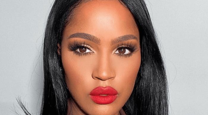 girl red lipstick makeup
