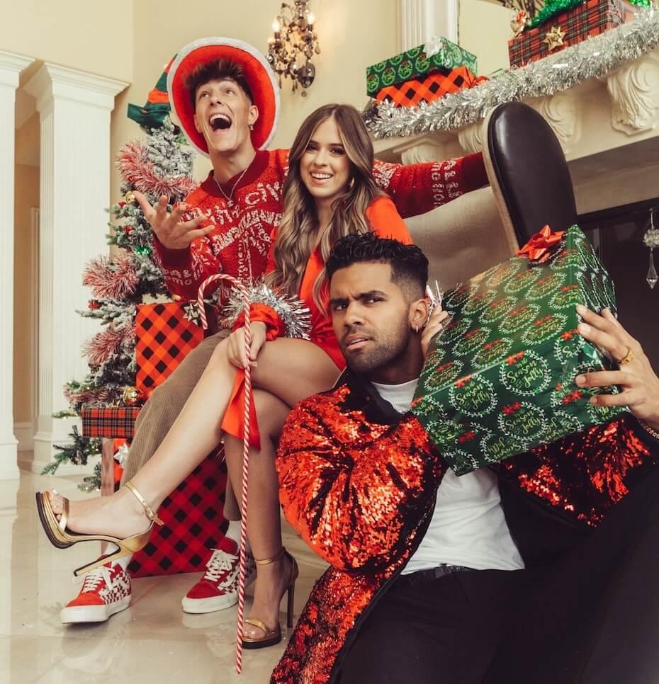 Kelianne Stankus, Tayler Holder, Nate Wyatt It Feels Like Christmas Hat