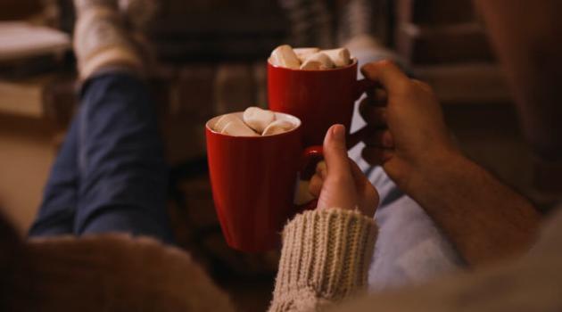 Shutterstock: couple drinking hot chocolate