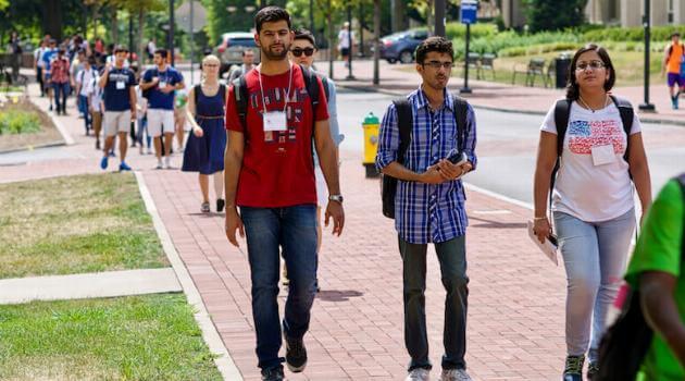college_tour_shutterstock1-articleH-011421