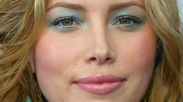jessica-biel-light-blue-eyeshadow-articleH-012021