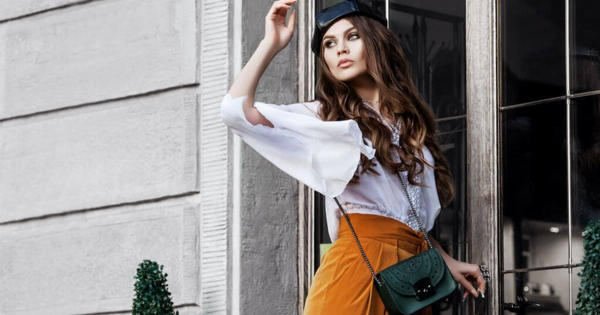 Shutterstock: woman wearing wide leg pants