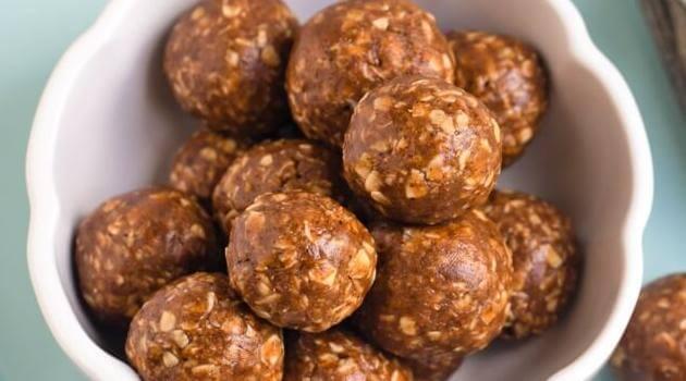 The Vegan 8- chai oatmeal energy ball