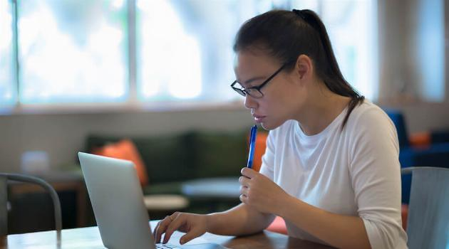 college-application-1-articleH-020721