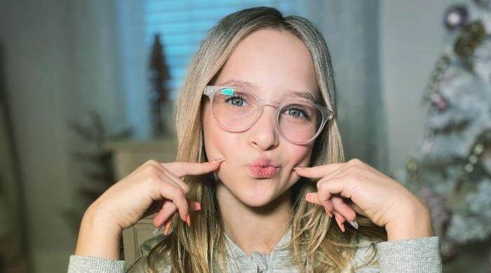 Instagram @lillykofficial glasses photo