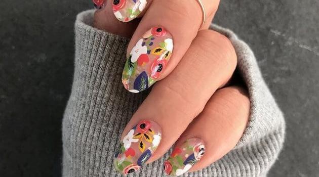 Scratch Nails: nail wraps floral design