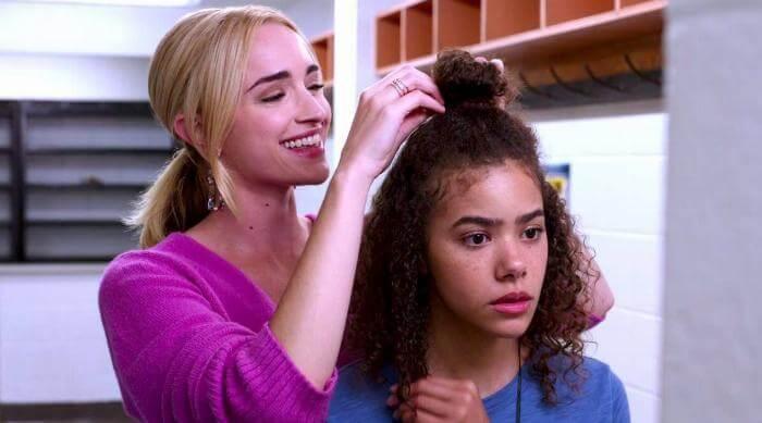 Ginny & Georgia: Doing Ginny's hair