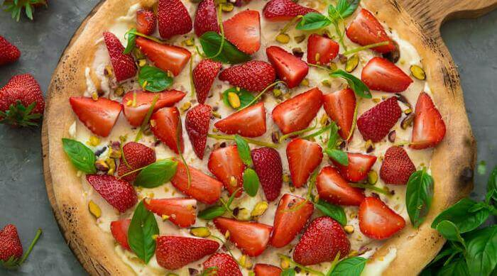 Shutterstock: strawberries on pizza