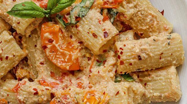 plantbasedrd-creamy-baked-tofu-feta-pasta-052221-articleH-052321