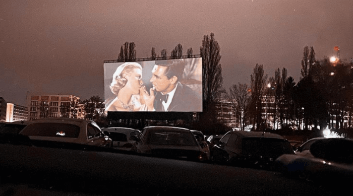 drive in movie theatre