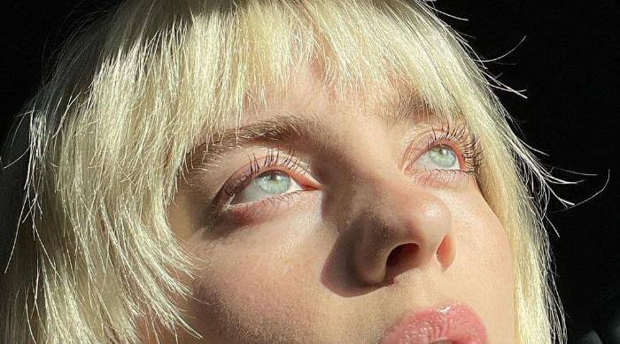 Instagram @billieeilish eyes close up