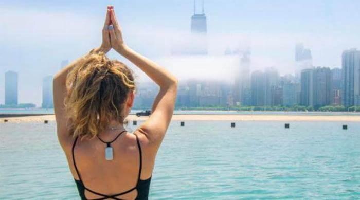 Instagram @upright.trainer yoga outside