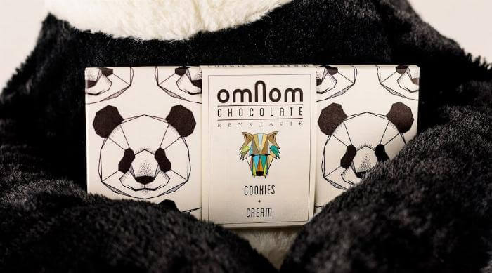 Omnom Cookies and Cream Bar in Panda Arms