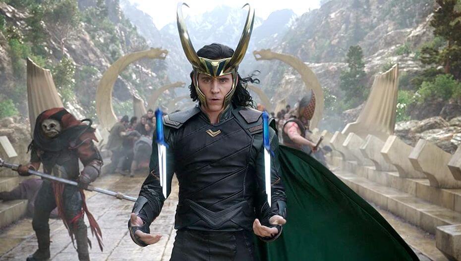 Thor Ragnarok: Loki with throwing daggers