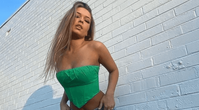 cute girl green outfit