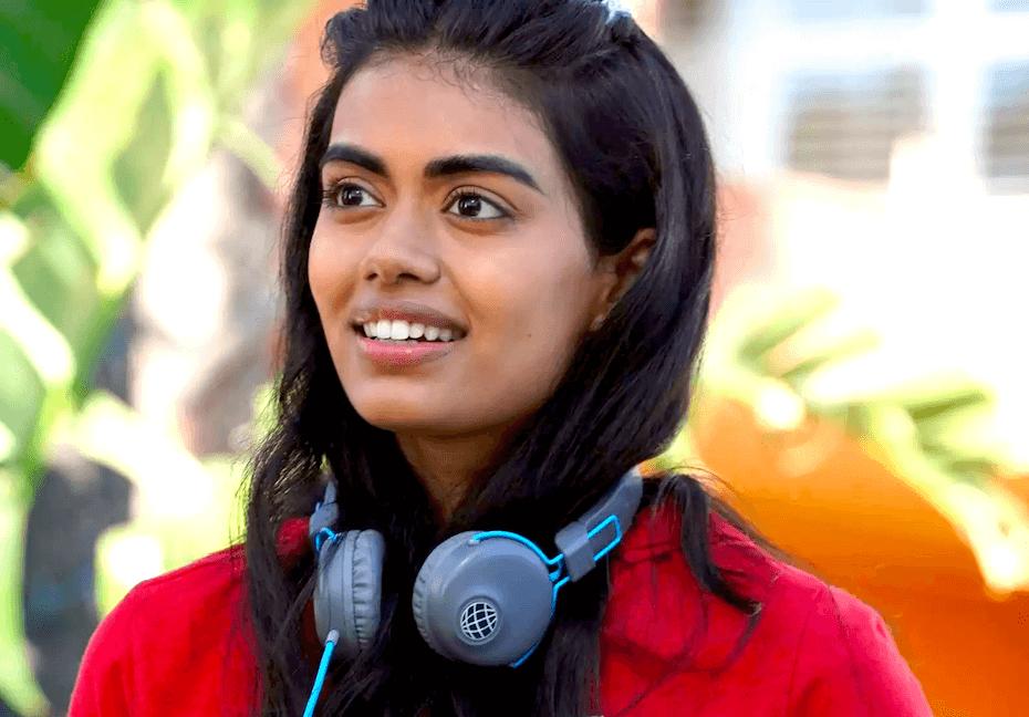 Never Have I Ever: Aneesa wearing headphones