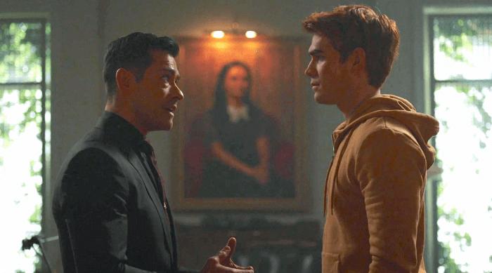Riverdale: Archie talking to Hiram lodge