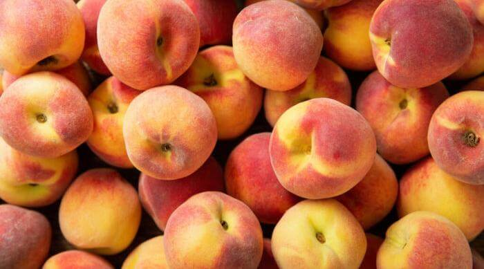 Shutterstock: peaches