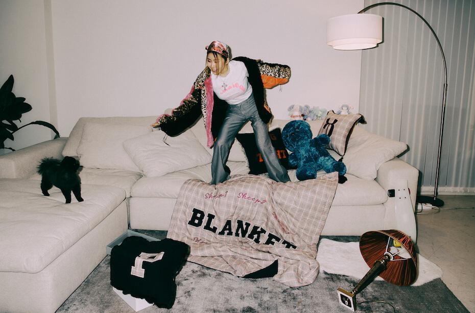 Suran in the blanket music video