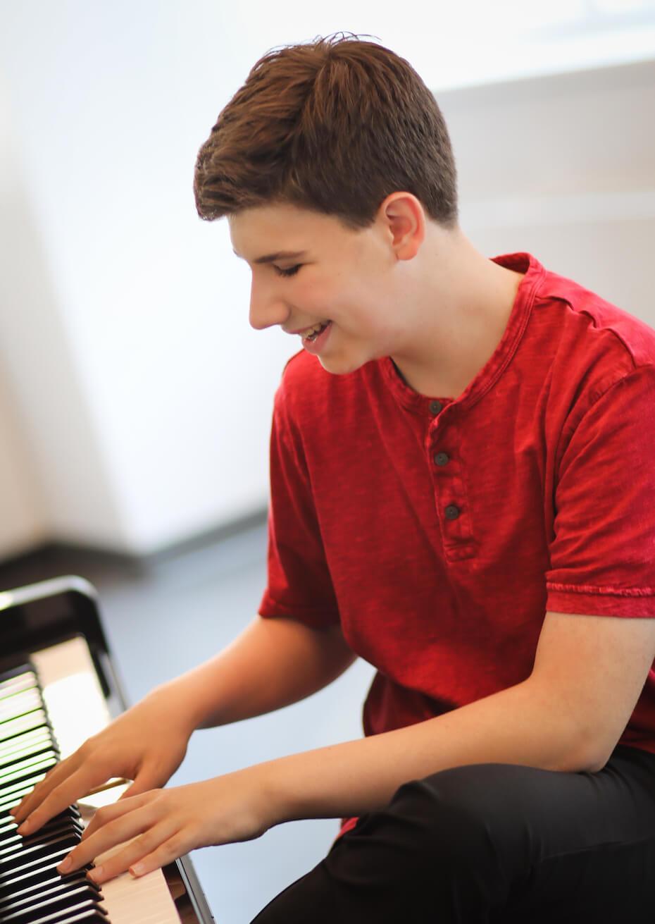 Joshua Turchin playing piano