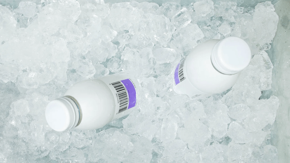 barcode drinks pinot noir in ice