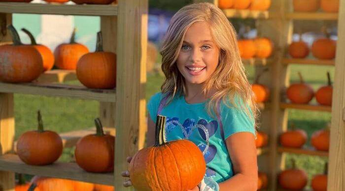 Instagram @hailey_smith_official pumpkin patch